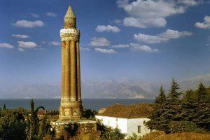 مسجد یولی مناره